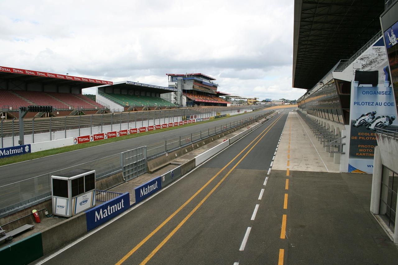 Circuit De Le Sarthe Le Mans Sports Tourist